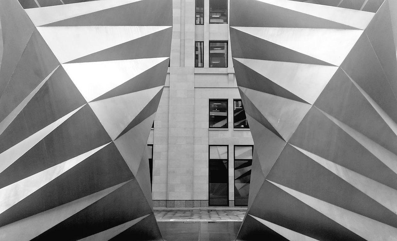 Blackandwhite Matt Hollick B&w Architecture_bw London Tourism London Photography Londonlife Cityoflondon Architecture City Of London Tourism LONDON❤ Paternostersquare Geometry Geometric Shapes Architectural Feature Architecturelover Mirror