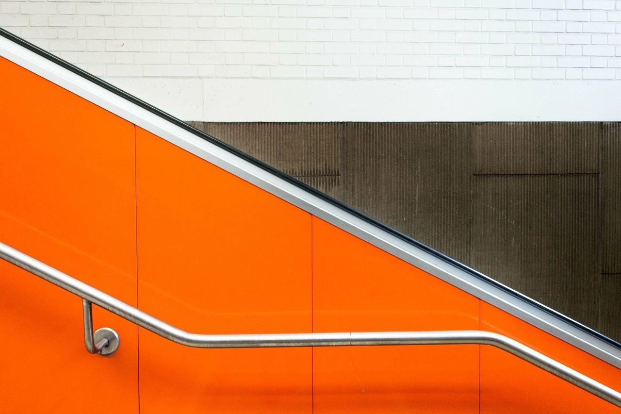 Beautiful stock photos of metal, Convenience, Escalator, Indoors, Metal