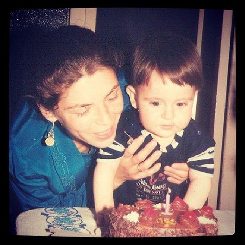Endegerlim Annem Benim Yanaklar tam sıktırmalık gözüm pastada