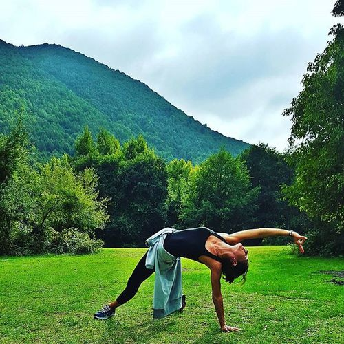 Most people have no idea how good their body is designed to feel 😌 Yoga Travel Nature Bliss namaste aycyambassador yourstyleinsports @upperness_official camping wanderlust myyogalife ellefitactive dahaaktifdahamutlu Sport ın The City