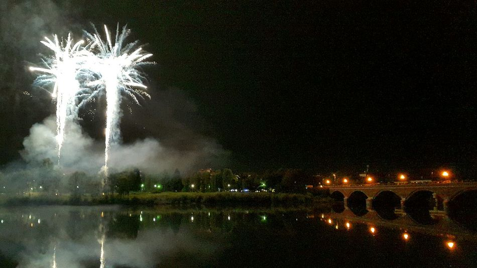 San Mauro Torinese Fuochi D'artificio  Fuochiartificiali Pirotecnia Pyrotechnic Pyrotechnic Fire Pyrotechnics Fire Near River Po