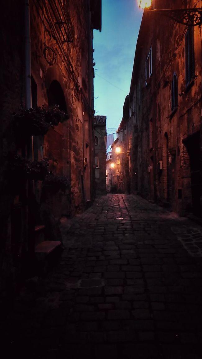 Medioeval Cities Bolsena Bolsenalake Bolsena Village Night Lamplights Streetview Narrow Street Narrowpath City At Night Romantic Stroll