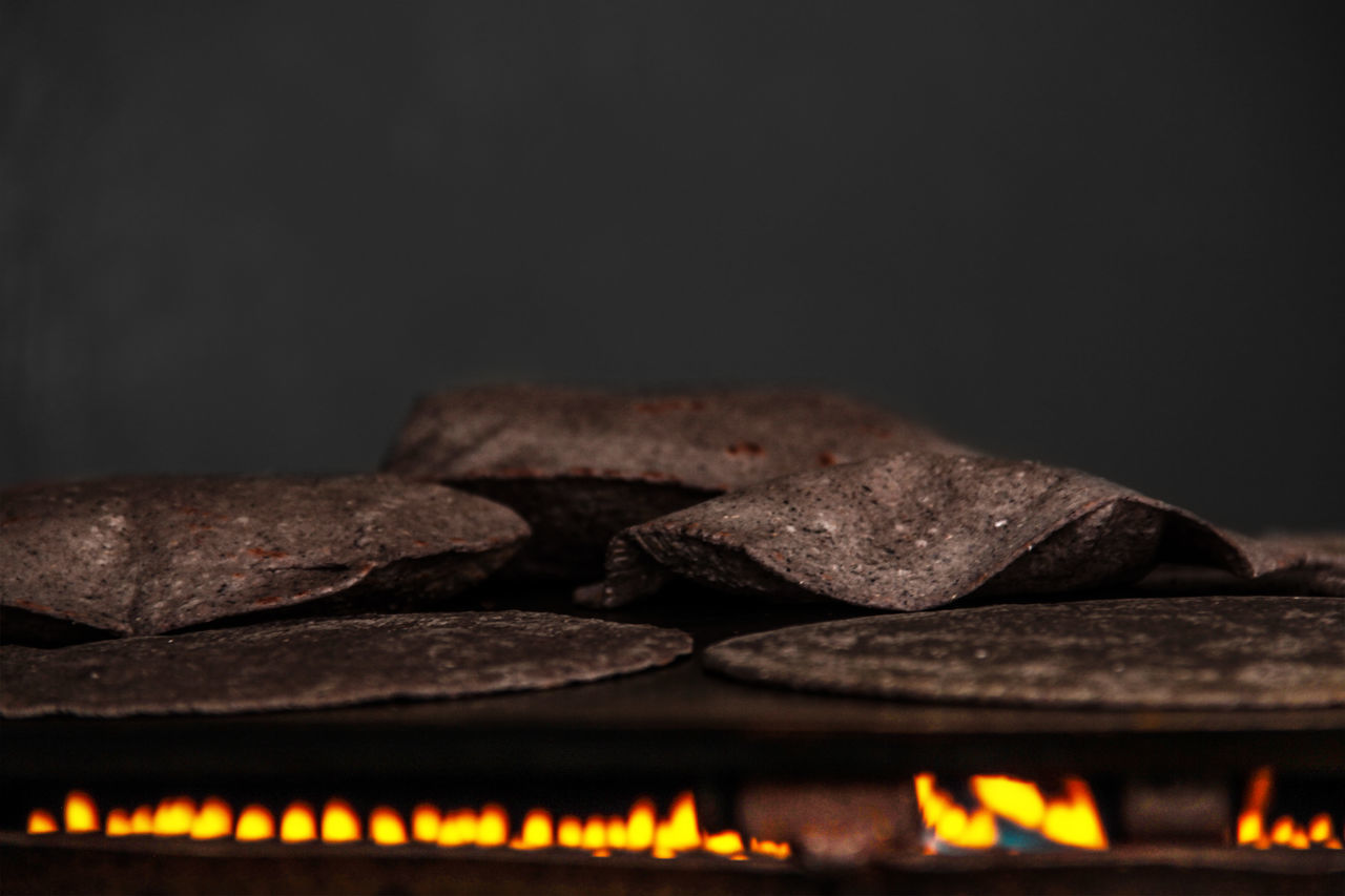 Black Background Close-up Food Indoors  No People Ready-to-eat Tortillas Food Tortilla Comida Mexicana  Comidas
