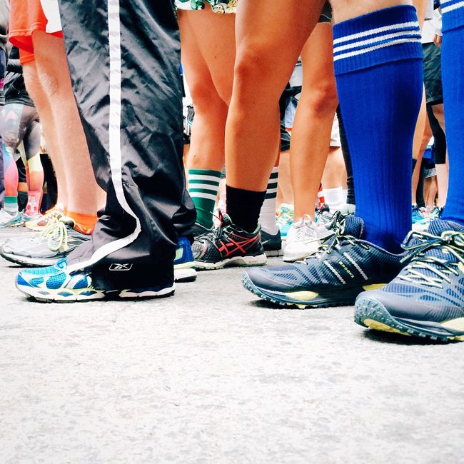 Shoes Feet Standing Sneakers Legs Race Walk Hundreds Baytobreakers