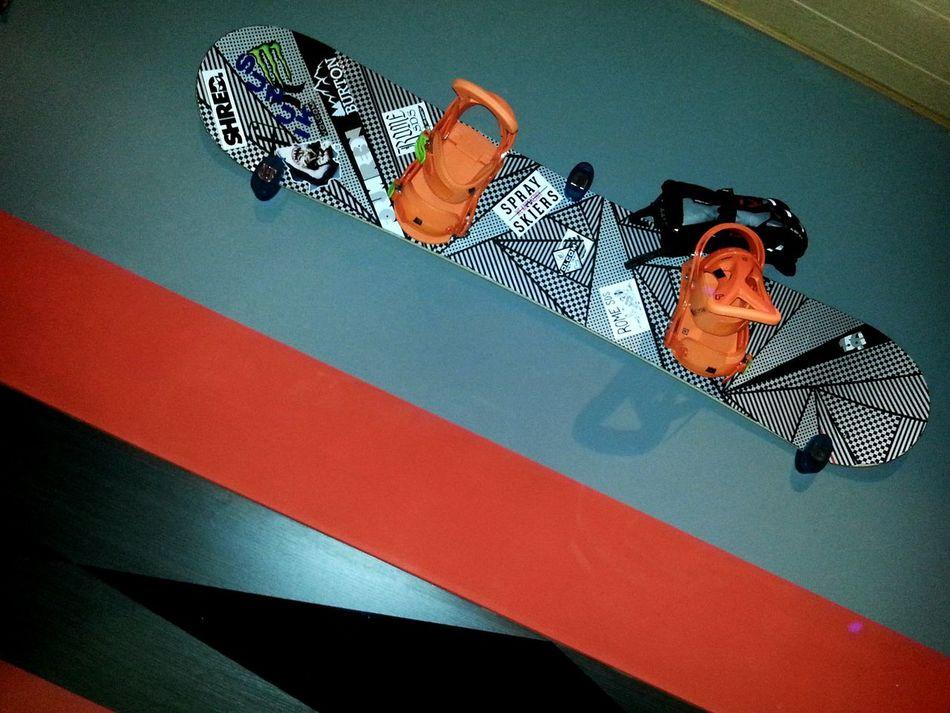 snowboard room design! Snowboarding Snowboard Sticks Snow