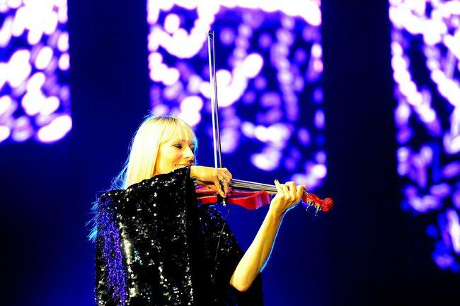 Music Music Festival Live Music Light And Shadow Night Lights EyeEm Best Shots Open Edit Violon Bond