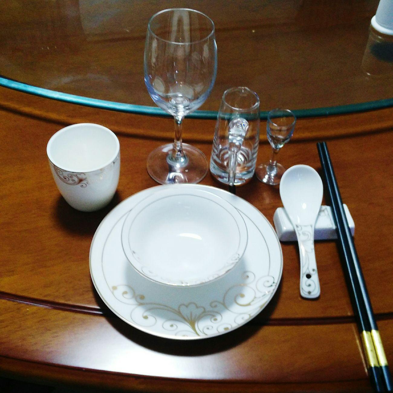 TableManner 从前没有注意过摆餐具的礼仪,直到今年过年,单位宴请一些领导,过来帮忙准备,学习无处不在!