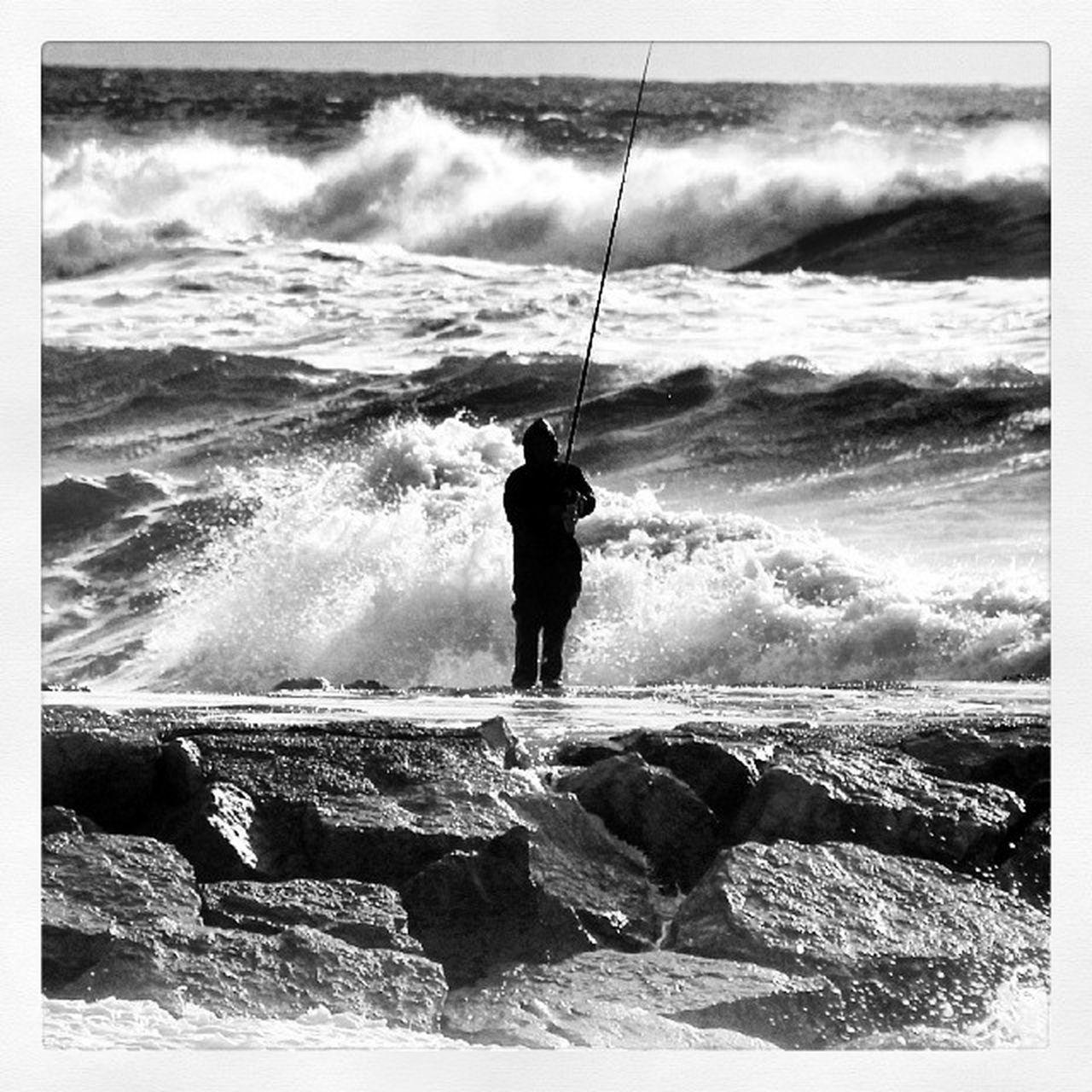 Sem palavrasFisherman Storm Waw Waves portugalmargemsulcostadacaparica