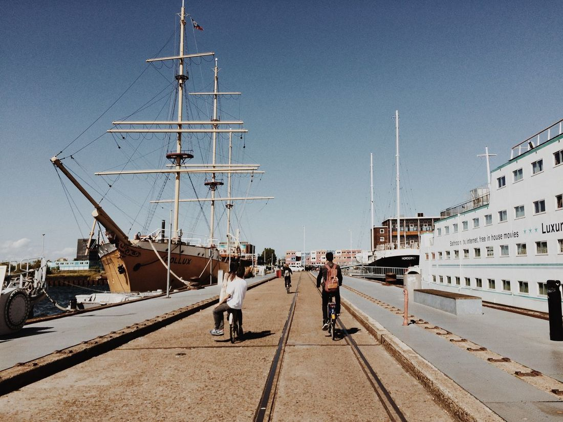 The first stop of our EyeEm Adventure ⛵️ EEA3 - Amsterdam EEA3 Boats Embrace Urban Life