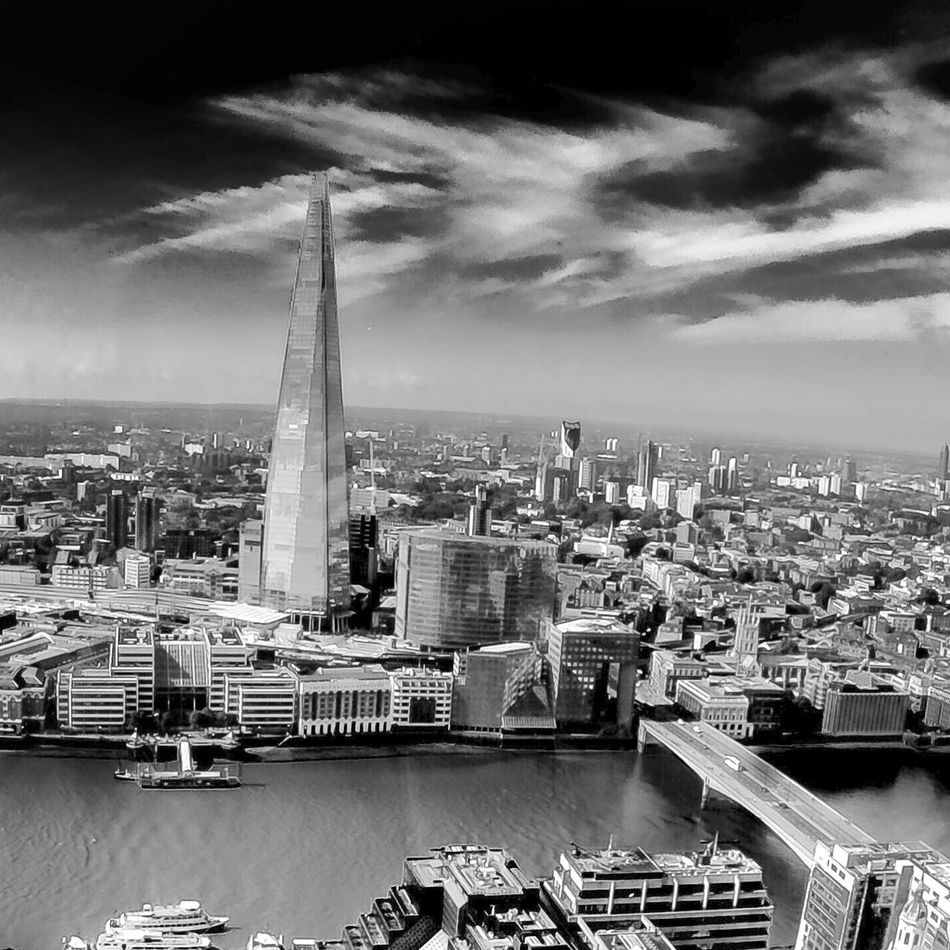Theshard Shardview The Shard, London Cityscapes Igerslondonofficial Featuremeinstagood Visitlondonofficial Visitlondon Gettyimages Getty+EyeEm Collection Londonpop Londongrammar Timeoutlondon EyeEm Getty X EyeEm Getty Images Londongramer Londonthroughmycam Britishland Skygarden Bnw_friday_eyeemchallenge Bnwphotography Bnw_worldwide Bnwlondon Bnw_collection
