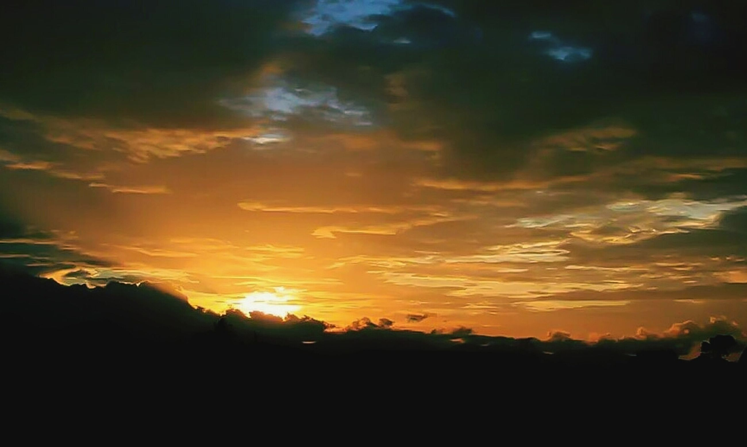 sunset, silhouette, sky, scenics, beauty in nature, tranquil scene, tranquility, cloud - sky, sun, orange color, nature, idyllic, cloud, dramatic sky, landscape, sunlight, tree, dark, cloudy, outdoors