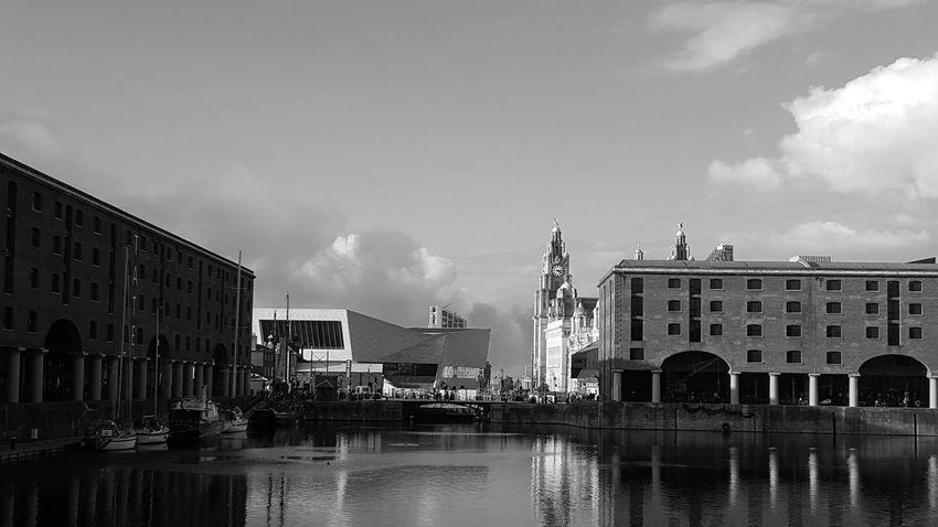 Albert Docks Black & White Harbor