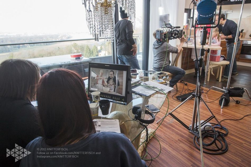 A lot of techniques between my actors and me-- life on set filmset behind the scenes buissnes woman Director filmmaker mompreneur Setlife knitterfisch Knitterfisch