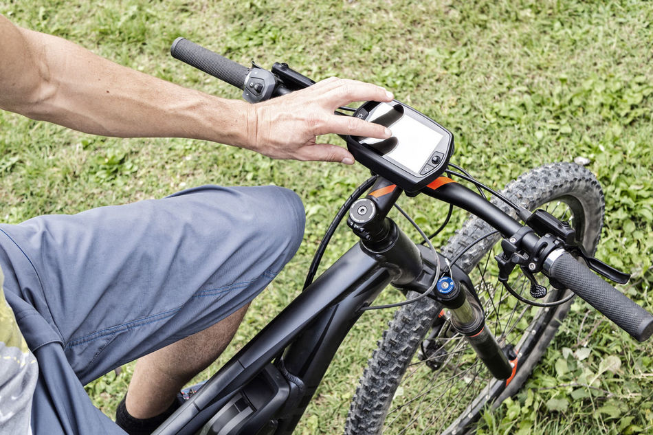 On-board display on modern E-Mountainbike Analyzing Bicycle Bicycles Close-up Control E-bike E-mountain Electric Bike Fitness GPS Heart Rate Hybrid Monitor Mountainbike Navigation Pedelec Routing Screen Smart Speed Sports Technology Touch Touch Screen Transportation