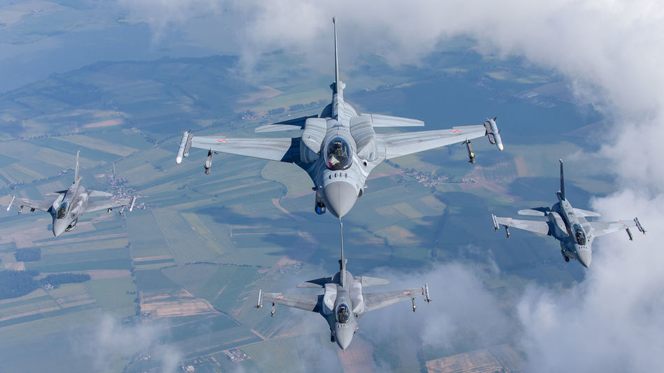 Beautiful stock photos of militär, aerial view, mid-air, airplane, flying