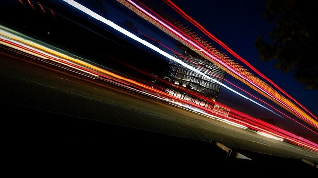 Johnleephotography Sleepdeprivation Insomniacs Manfrotto Lines 10-24mmWideAngle CanonT5i Slow Shutter Traffic Red Light Vortexture September 2015 Afterhours