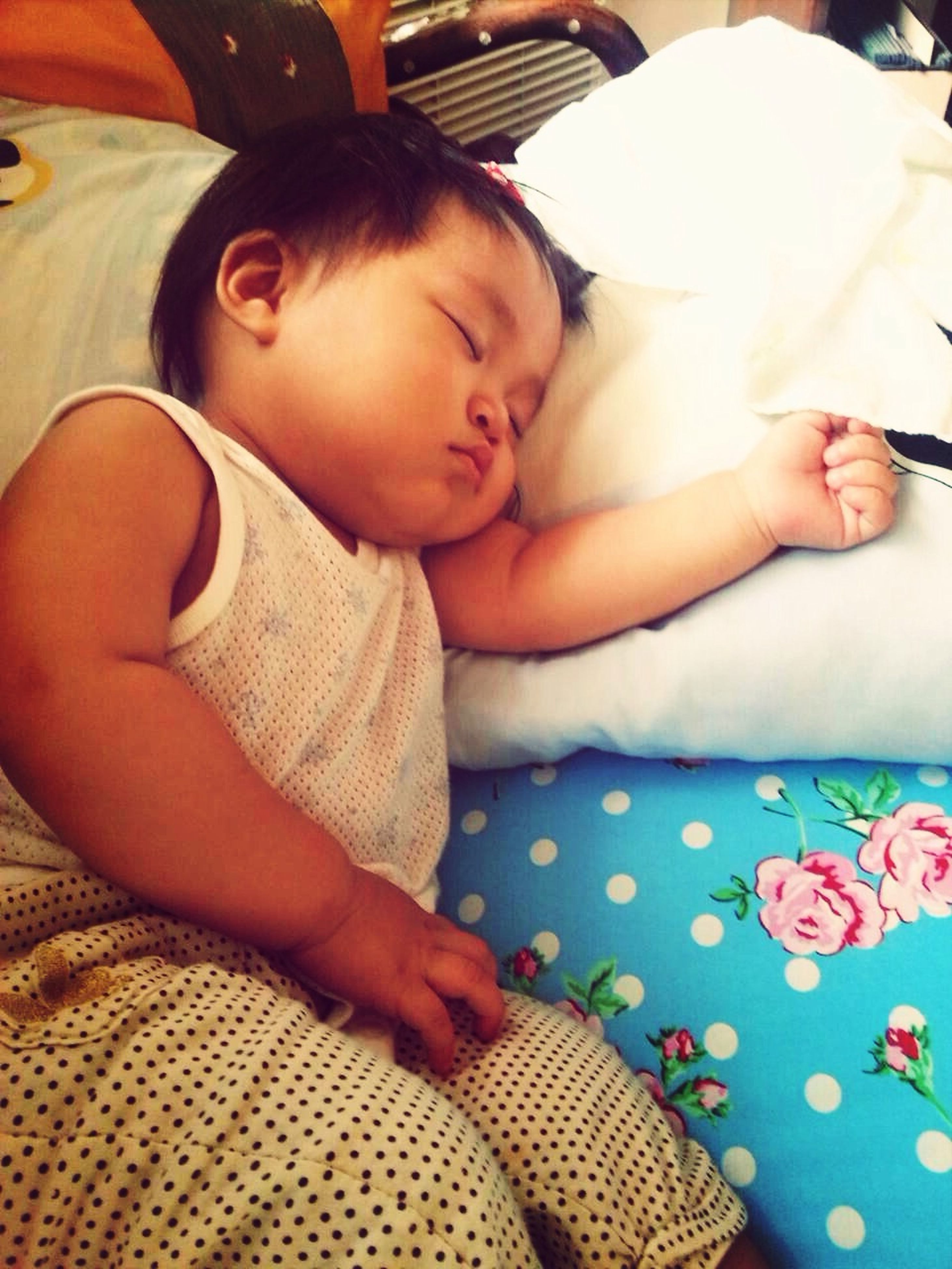 indoors, childhood, baby, innocence, babyhood, toddler, bed, person, elementary age, cute, relaxation, lifestyles, boys, unknown gender, home interior, leisure activity, girls, sleeping