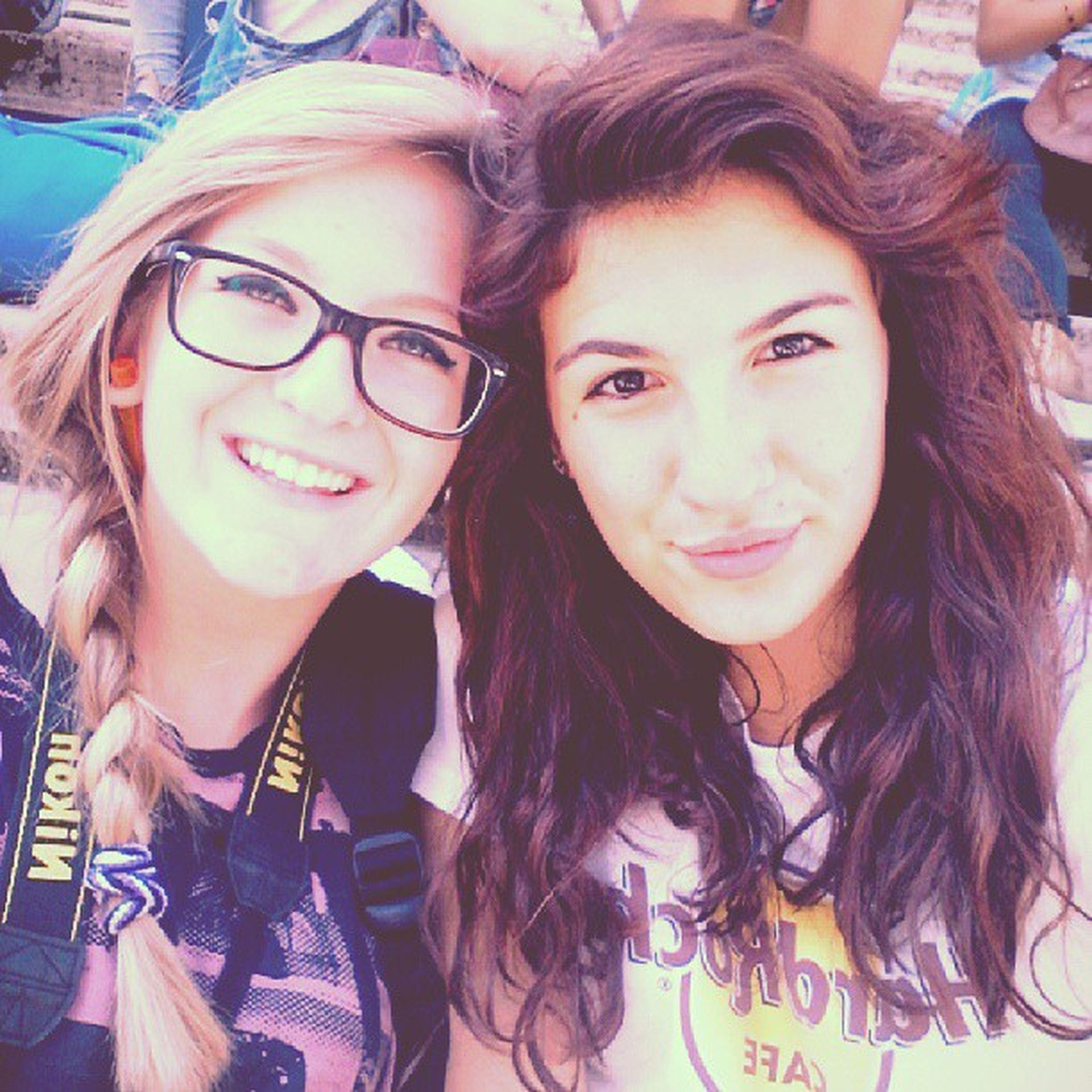 Rome Goldengala Beautifulday Friendship girls