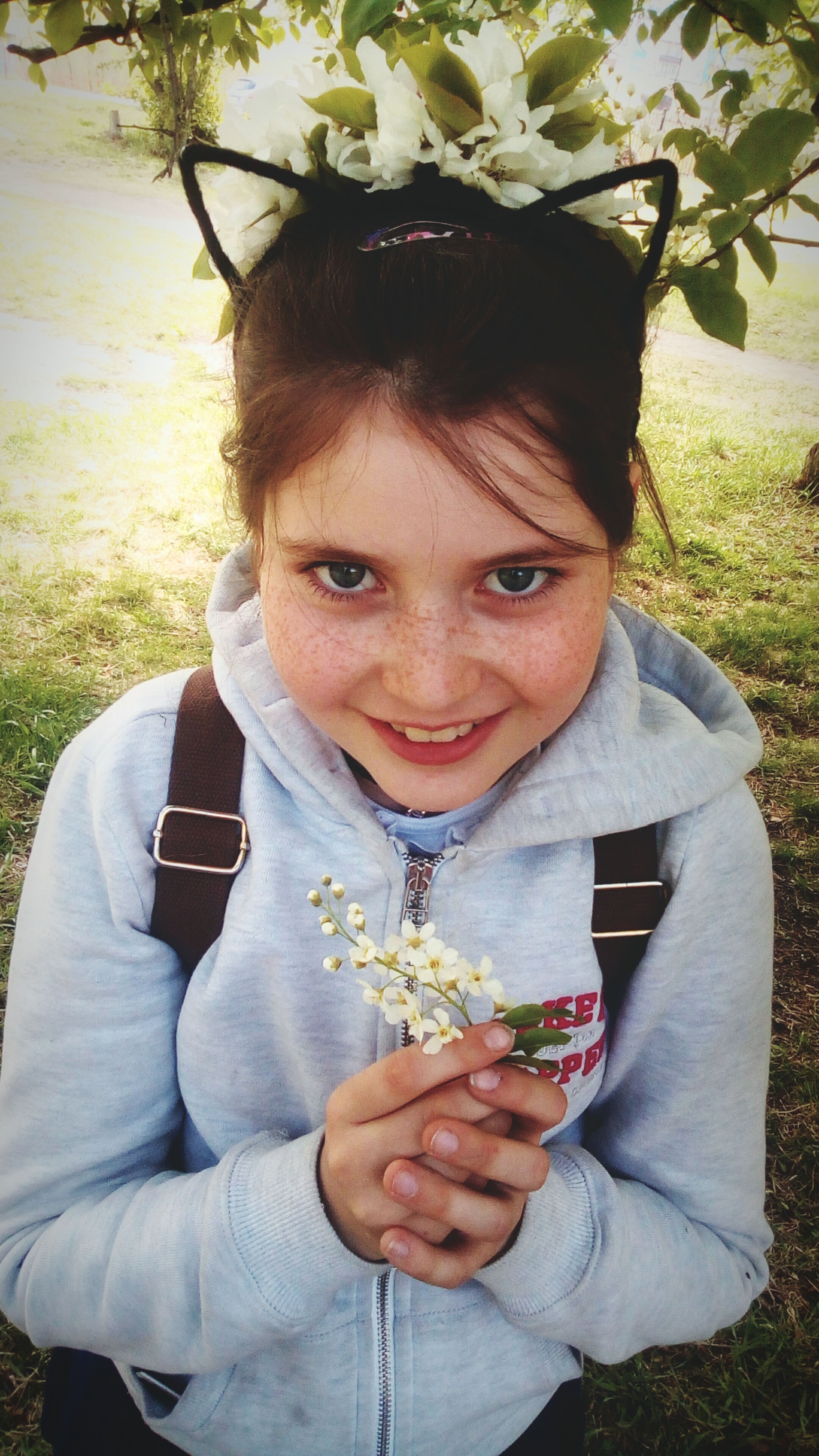 Girls Child One Girl Only Flower Happiness Friend Arina Tereshenko First Eyeem Photo