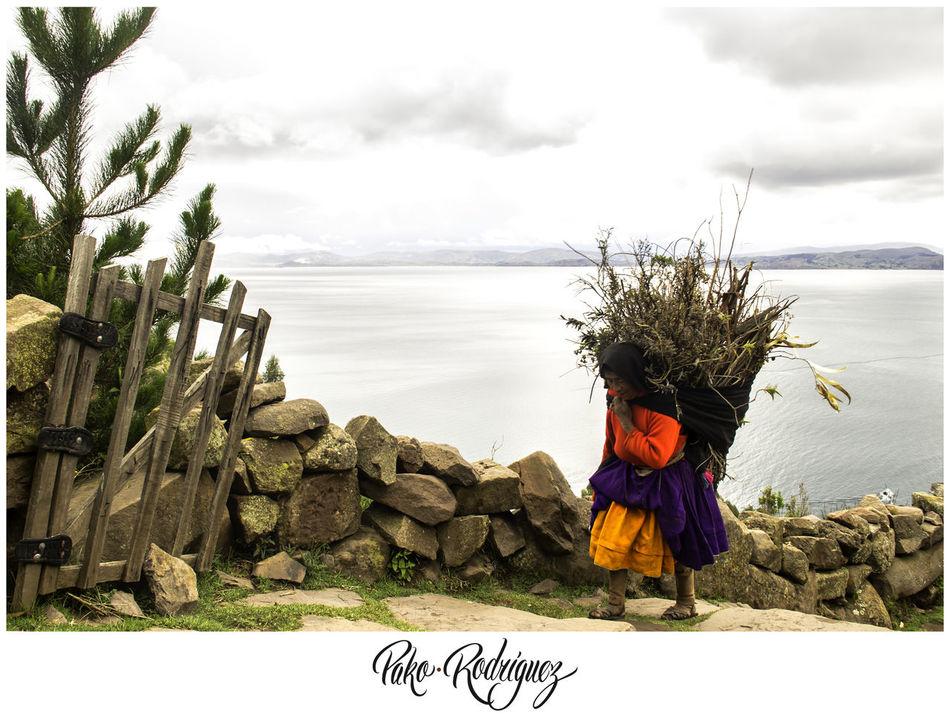 #Resist Oldwoman Peru Puno Resist Resist By ICP Taquile Titicaca Travel Trip Woman