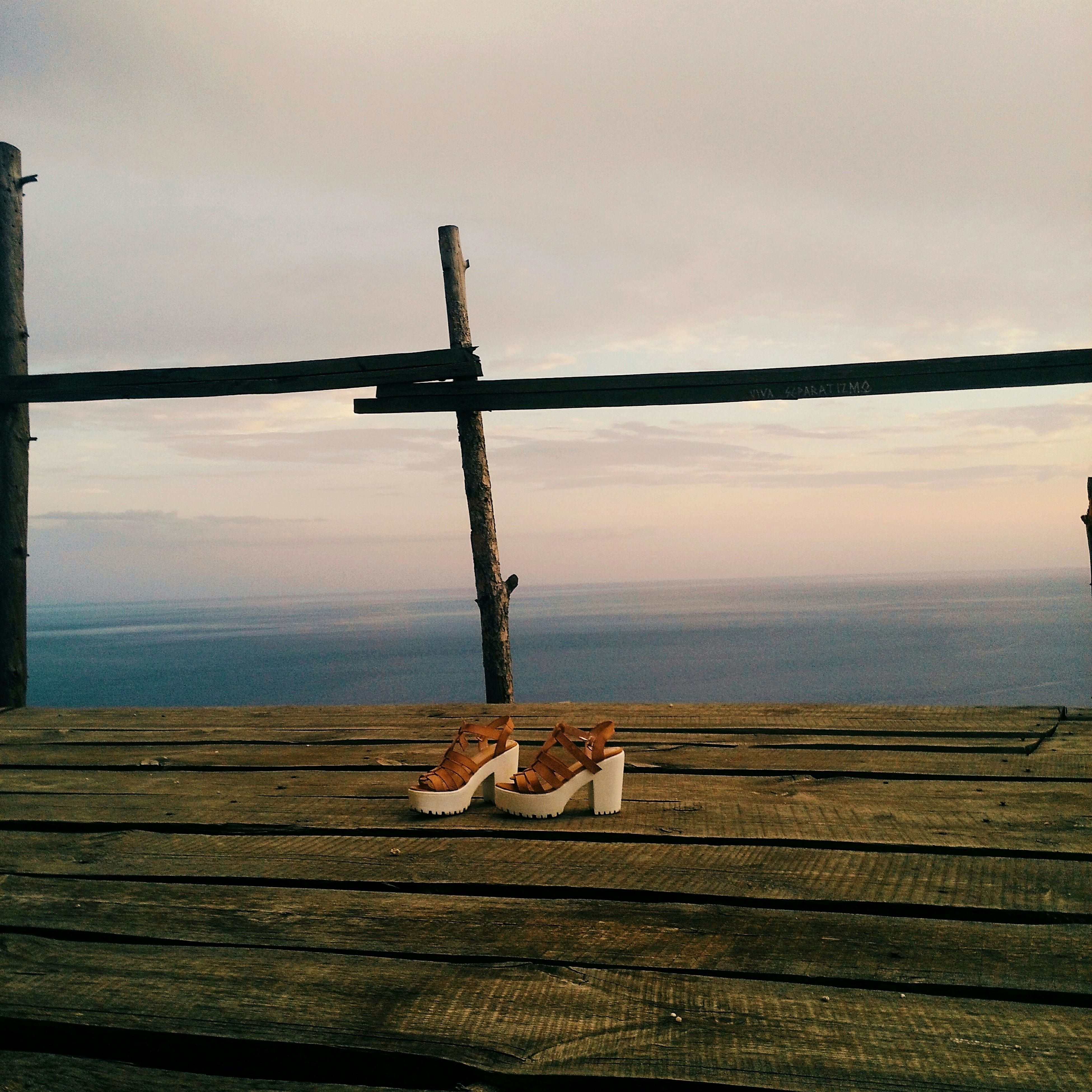 wood - material, sky, tranquility, sea, tranquil scene, sunset, horizon over water, water, scenics, wooden, pier, nature, wood, beauty in nature, idyllic, protection, cloud - sky, fence, bench, safety
