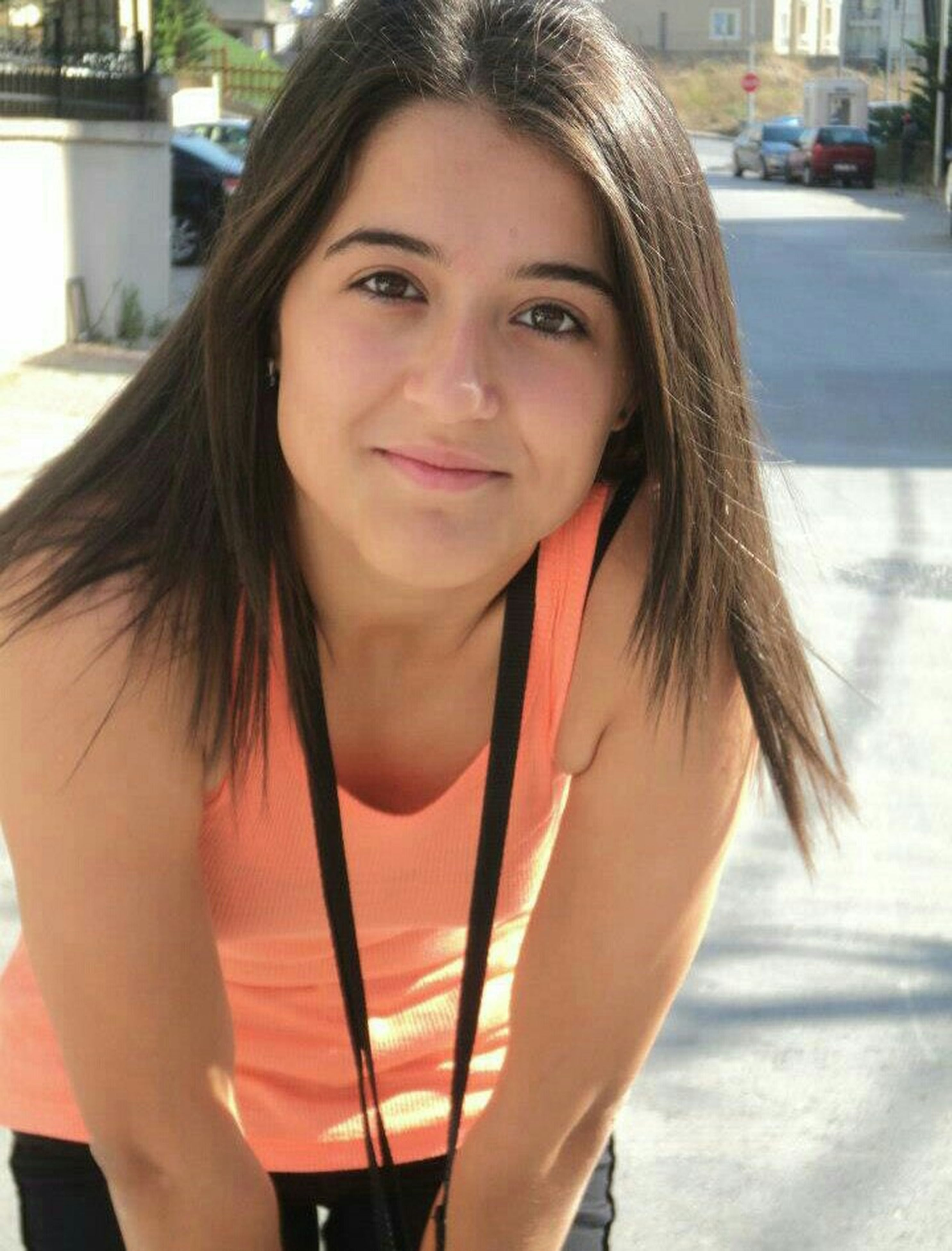portrait, person, looking at camera, young women, young adult, lifestyles, long hair, smiling, front view, leisure activity, casual clothing, focus on foreground, happiness, brown hair, incidental people, toothy smile, headshot