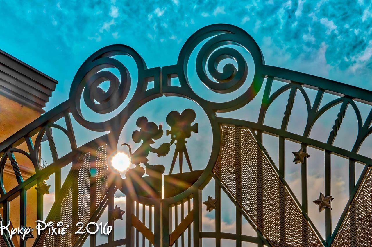 Paris Disneyland Resort Paris Disneylandparis Disneydreams Disneylandresort Photography HDR Disneyland Parcdisneylandparis Discoveryland Disneyland Paris Magic Magic Moments Waltdisney Waltdisneystudio Mickey Mouse Waltdisneystudios