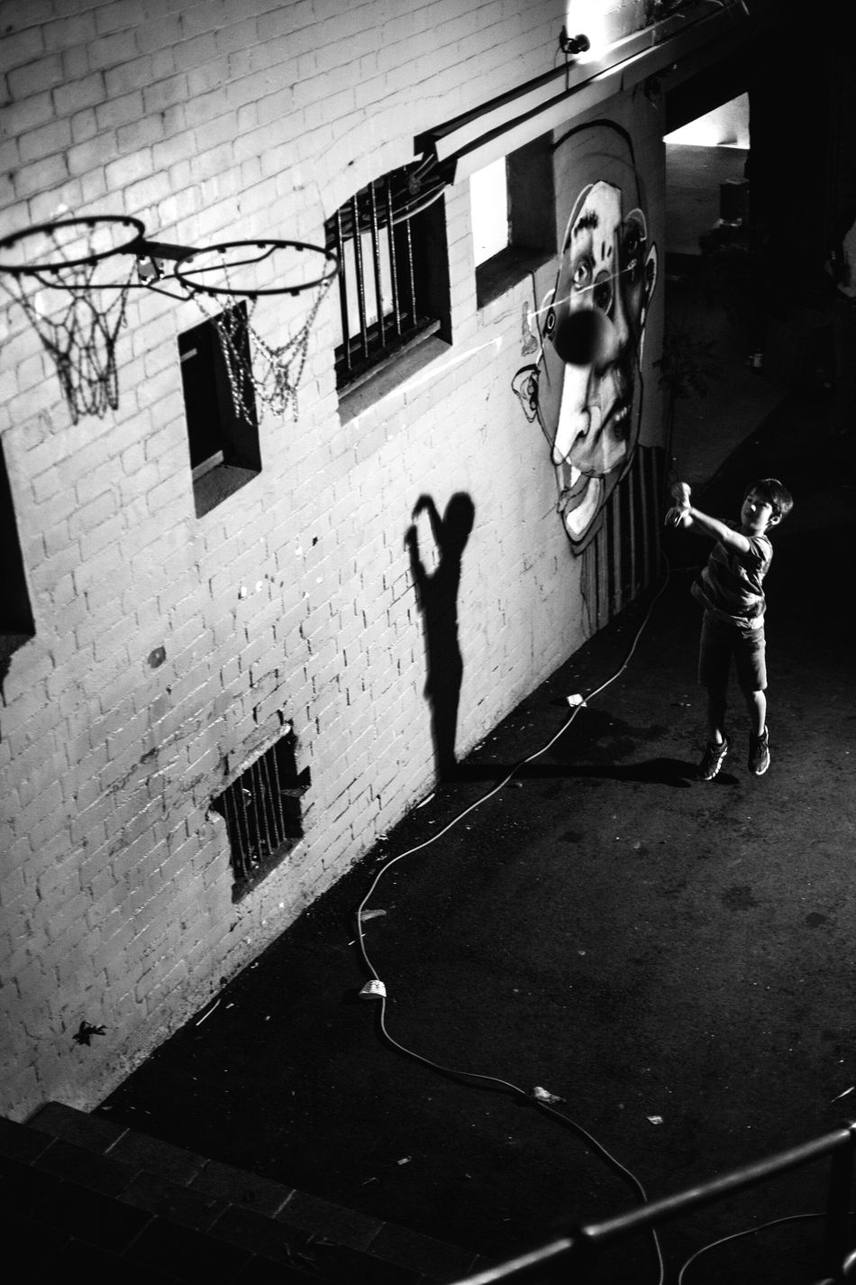 Darkness isn't an excuse to put your dreams on hold. Keep On Streetphotography People Watching Two Tone Sydney Build Yourself Top Form