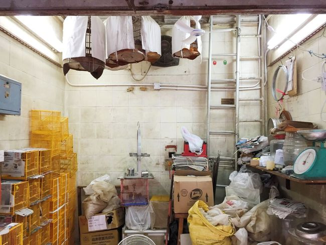 The Photojournalist - 2016 EyeEm Awards the business of selling live birds in Hong Kong HongKong Bird Market Birds Chinese Shop Photojournalism Live Love Shop
