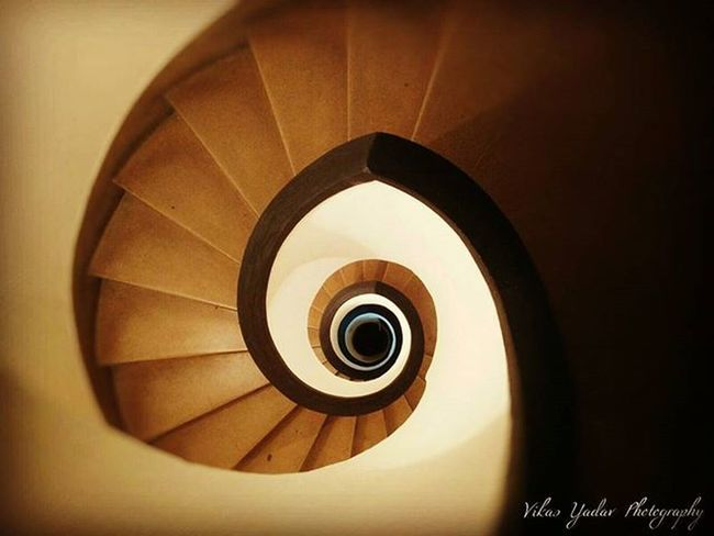 Sometimes path doesn't matter to reach your destiny. DSE Paradox DSE Dsediaries Delhiuniversity Delhi Stairs Rounds Roundstairs Oneplusone Instagram