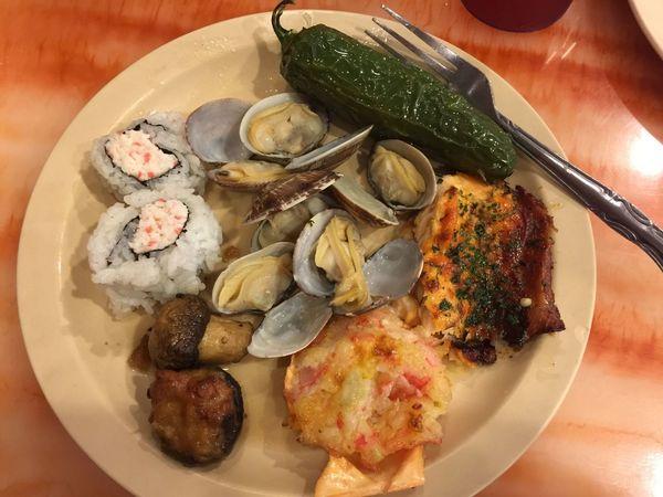 😂😂 Yummyinmytummy Food And Drink Food Seafood Sushi 😍 Chile 🌶 Clams Chubby time 😋😋😋😋😋😋😋😋😋😋😋😋😋😋😋😋😋😋😋 Salmone Mushrooms 💜🍄🍄💜