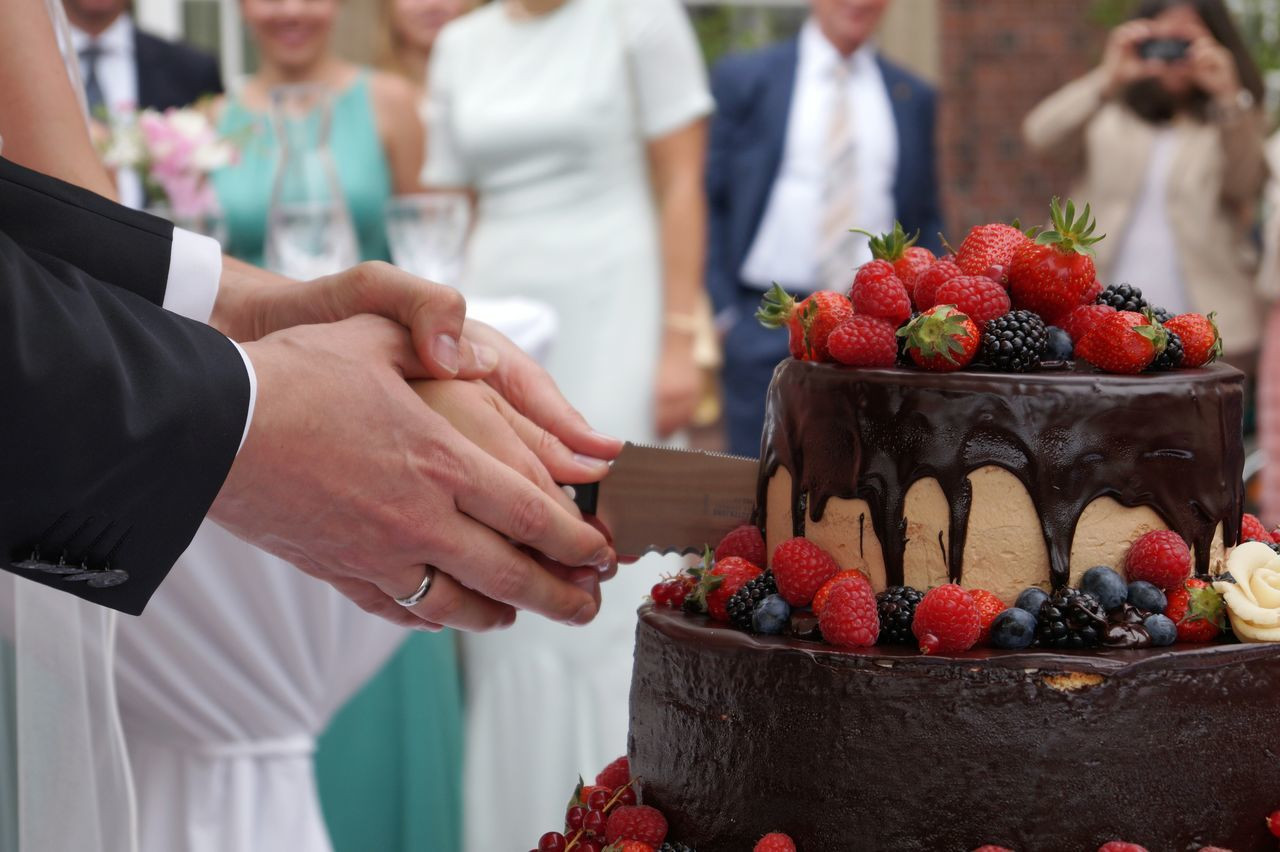 Beautiful stock photos of kuchen, Bonding, Bride, Bridegroom, Cake