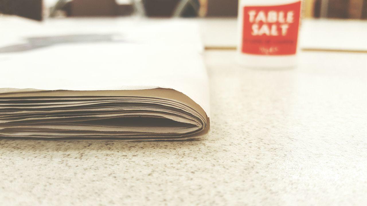 Newspaper Paper Salt Paper And Salt Salt And Paper Breaktime Lunchtime Lunch Time! Lunch Break Samsung Galaxy S6