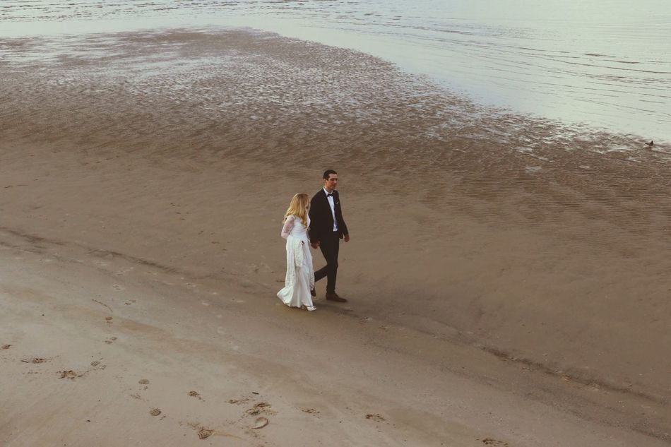 Beautiful stock photos of löwe, two people, full length, real people, beach