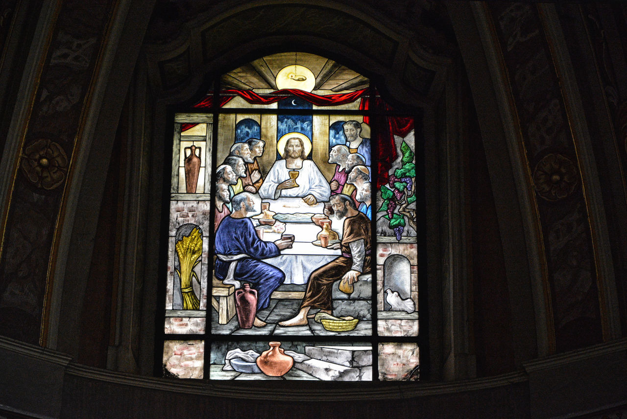 The Last Supper - Glass window inside Santa Maria in Prato church - Longone al Segrino, Como, Italy. Art Cat Church Church Como Comoirma Creativity Italy Jesus Jesus Loves You Lombardia Longone Al Segrin Place Of Worship Religion Santa Maria In Prato Spirituality Stained Glass ıtaly