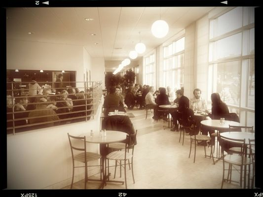 Lunchtime at Chalmers teknikpark by magnax23