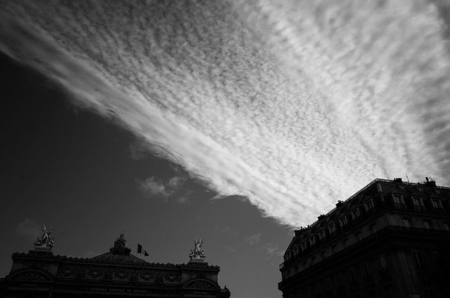 Un moment. Architecture Built Structure Cloud Cloud - Sky Cloudy Day High Section History Low Angle View No People Paris Architecture Paris Black And White Paris Cloud Paris Light And Shadow Paris Opera Paris Streets Sky Tourism Travel Destinations Weather