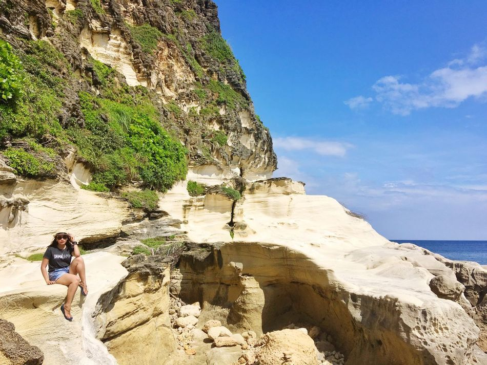 Great view to strike a pose. Full Length Rock - Object Lifestyles Standing Leisure Activity Sky Rock Formation Casual Clothing Tranquil Scene Cliff Beauty In Nature Person Tranquility Outdoors Day Vacations Cave Exploration Nature Scenics