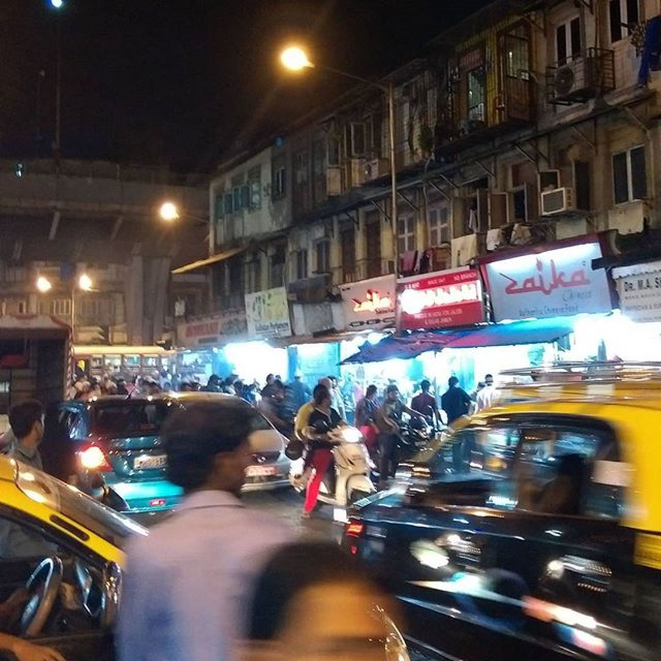 Perks of ramzan. Late night amazing food on streets. Jj  Nagpada Mohammedaliroad Ramzan Food Zaika Instagram Mumbai Igers Indian