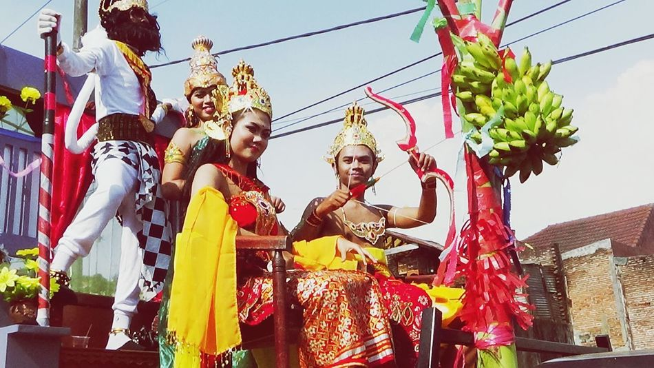 Festival carnaval from malang east java indonesia 17 august 2016 Human Representation Statue Religion Sculpture Spirituality Low Angle View Place Of Worship Culture Travel Destinations Multi Colored Sky Day Creativity Repetition Idol Outdoors Indonesia_photography Indonesian Street (Mobile) Photographie INDONESIA Malangselatan Malangtempodoeloe First Eyeem Photo