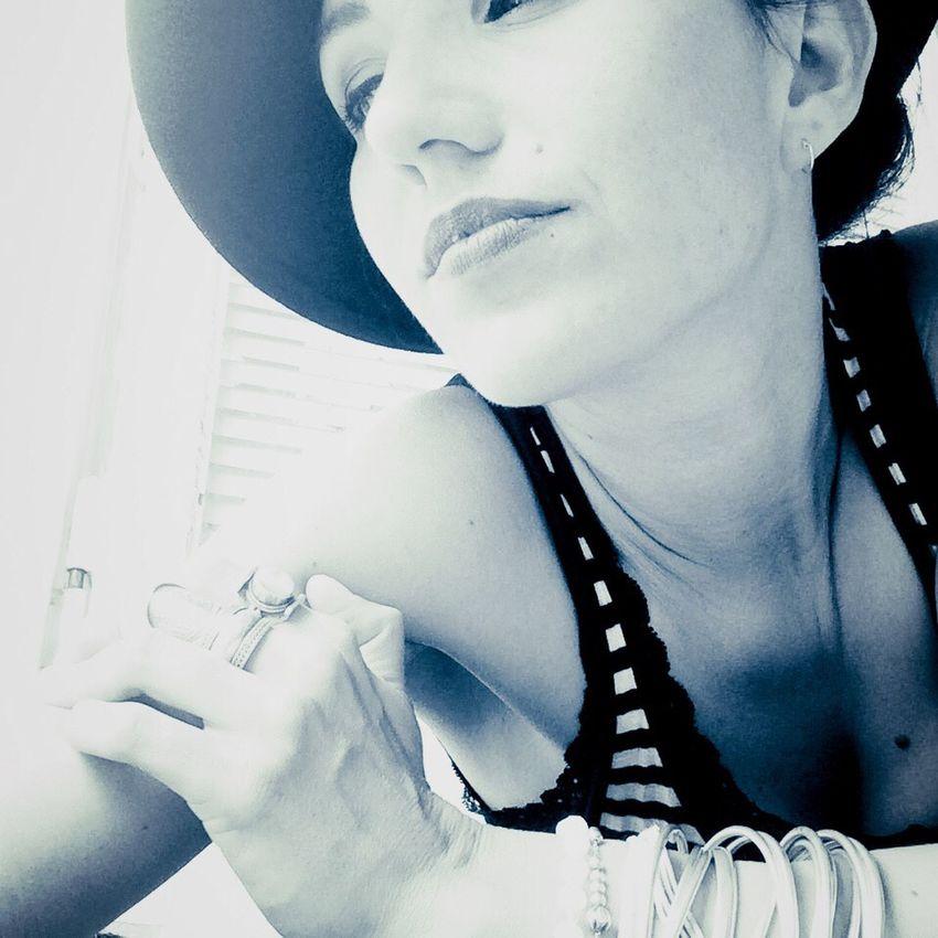 Portrait Portrait Of A Woman Faces Of EyeEm Fashinista Hat Stylish Dreaming Visage Blackandwhite Photography VoilàVoilà