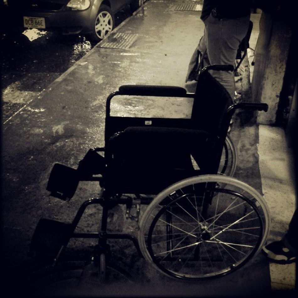 Street Streetphoto Samsungphotographer Igerscaracas igers bw blancoynegro losteques lluvia