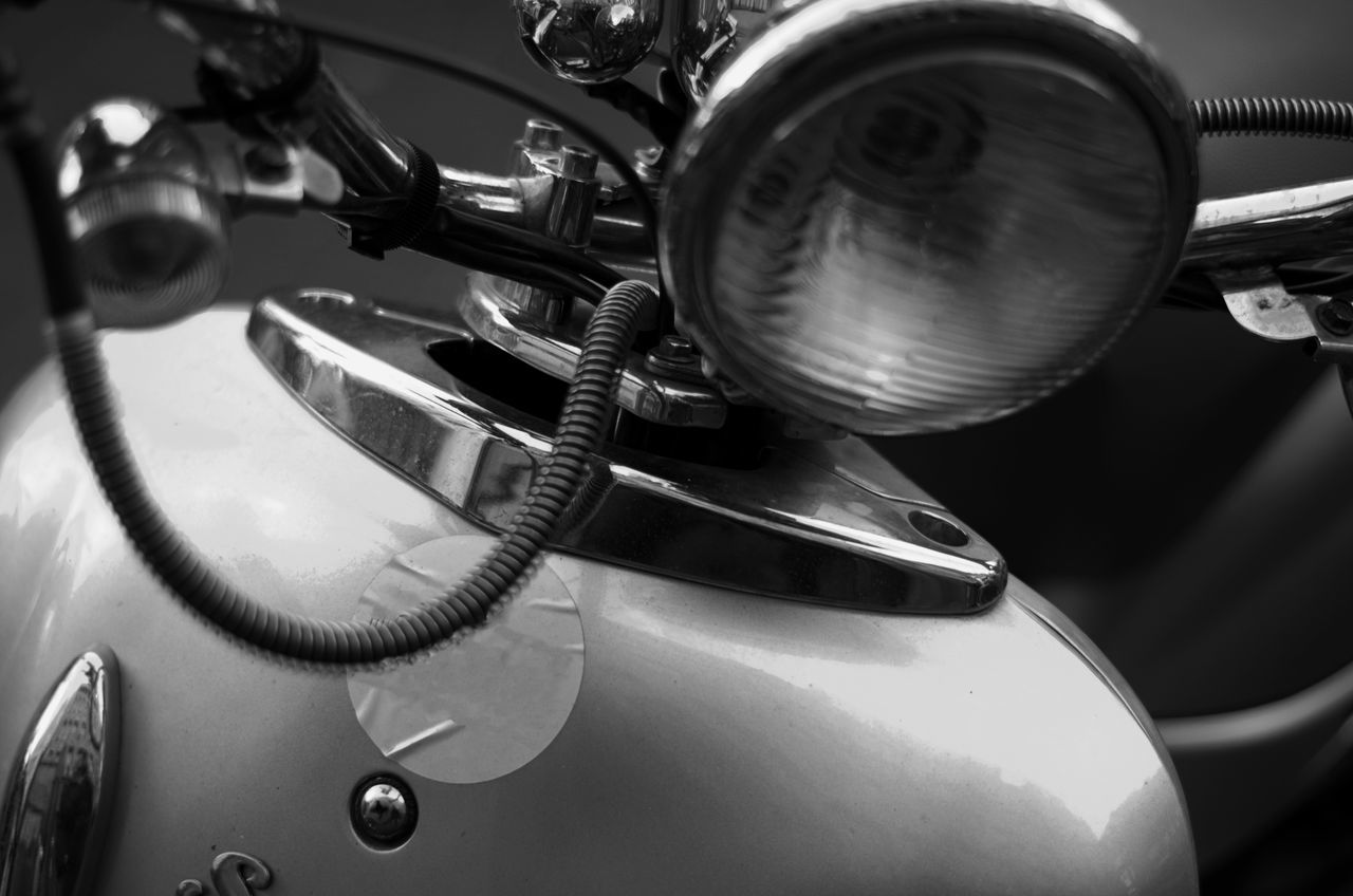 Scooter closeup Scooter Close-up Day Indoors  No People Scooter Closeup Scooter In Monochrome Vintage Scooter