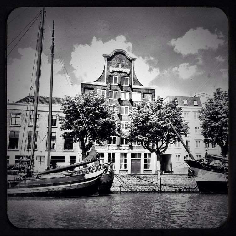 blackandwhite in Dordrecht by Jan Leegwater