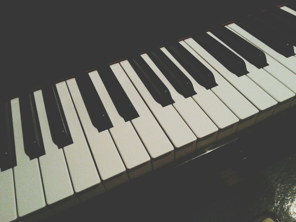 Beautiful stock photos of keyboard, Arts Culture And Entertainment, Close-Up, In A Row, Indoors