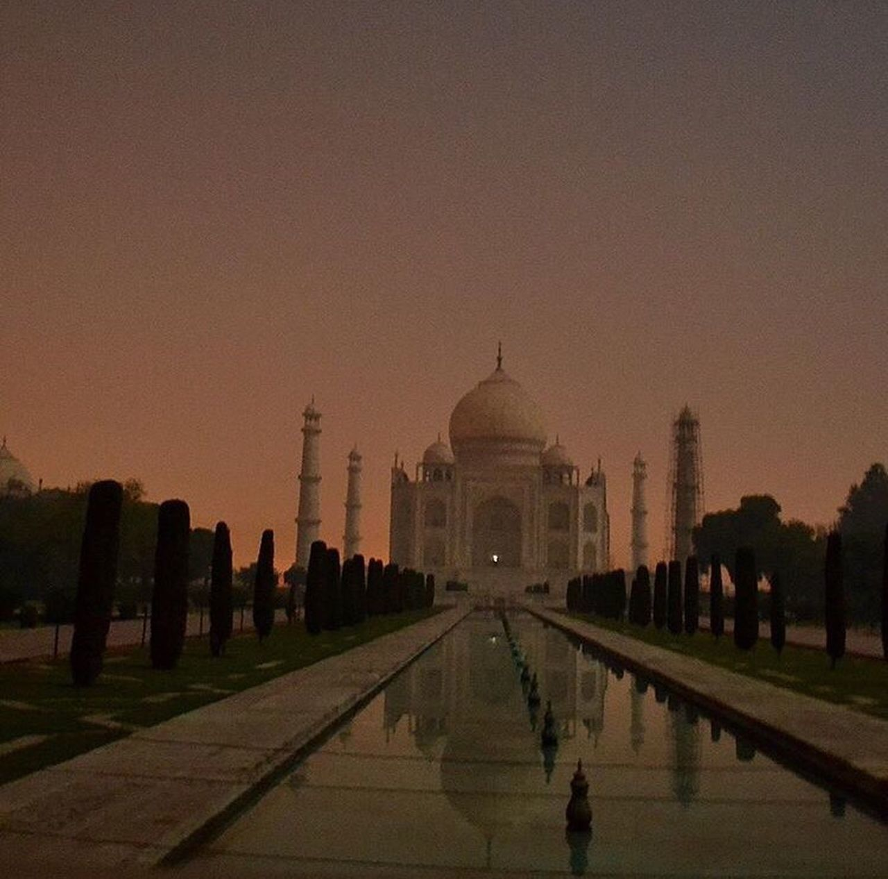 Reflecting Pool Dome Travel Destinations Architecture Memorial Built Structure Large Group Of People Outdoors The Great Outdoors - 2017 EyeEm Awards Sky Building Exterior Taj Mahal Tajmahal India Agra Architecture_collection Arcitecturephotography Architecturelovers Night ISO DSLR DSLR Photography