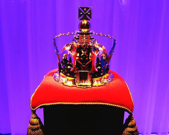 Carrs Harrods Window Shopping Diamond Jubilee Royal Queen Queen Elizabeth  Crown London