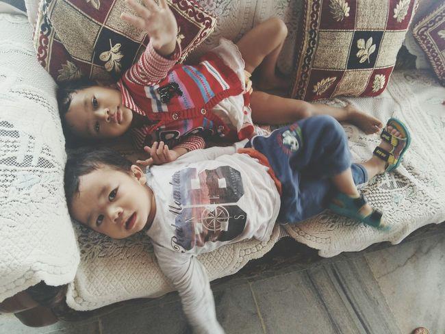 Kids Being Kids Cousins ❤ Kidsphotography Eyeemphoto EyeEm Best ShotsEye4photography  EyeEm Best Edits EyeEm Gallery Eyem Gallery Kids Having Fun