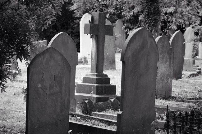Cemetery Tombstone Memorial Graveyard Gravestone Grave Cross Spirituality Black & White Old Burial Ground Graveyard Beauty Canonphotography Canon South West London Creative Photography Blancoynegro Photography Black&white Blackandwhite Monochrome