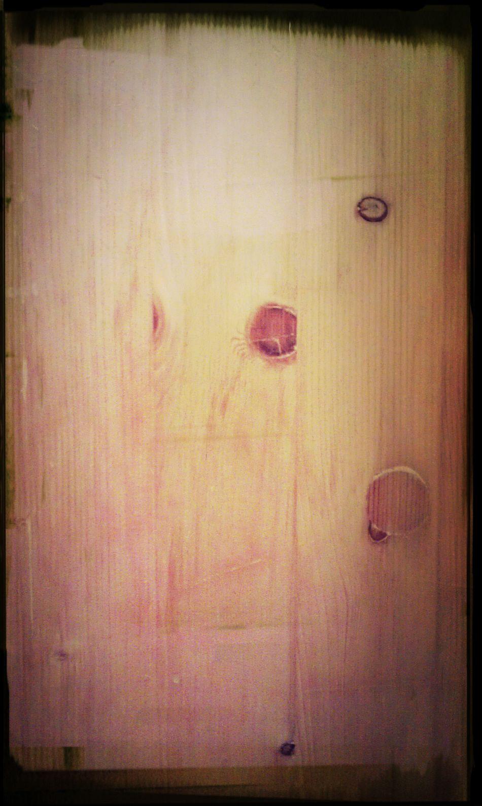 Дверь. Дерево.